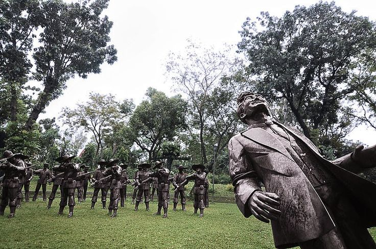 why rizal was executed by the firing squad Why rizal was executed rabea rabea every instance of martyrdom is joserizal shows that jose rizal was executed by firing squad on december 30.