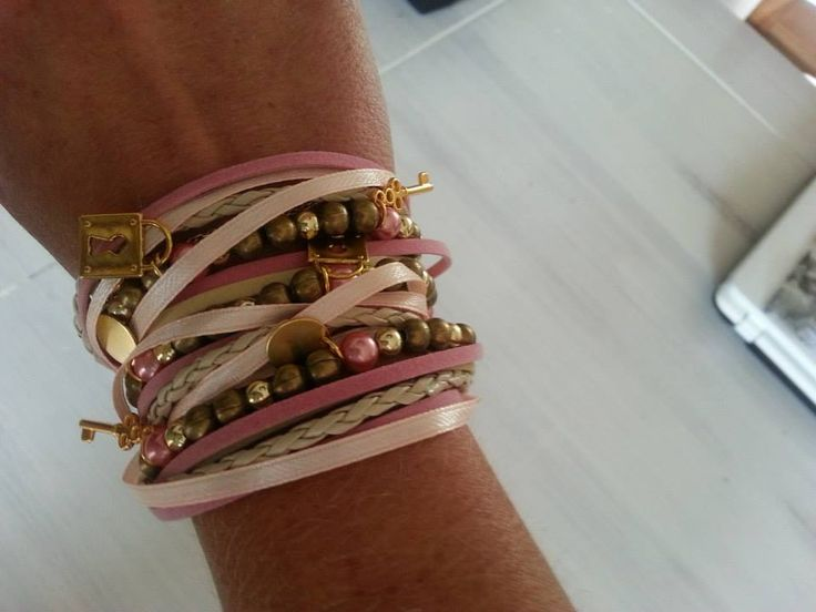 Wrap bracelet made with green, gold and pink Click for the tutorial Jewelry making and craft ideas