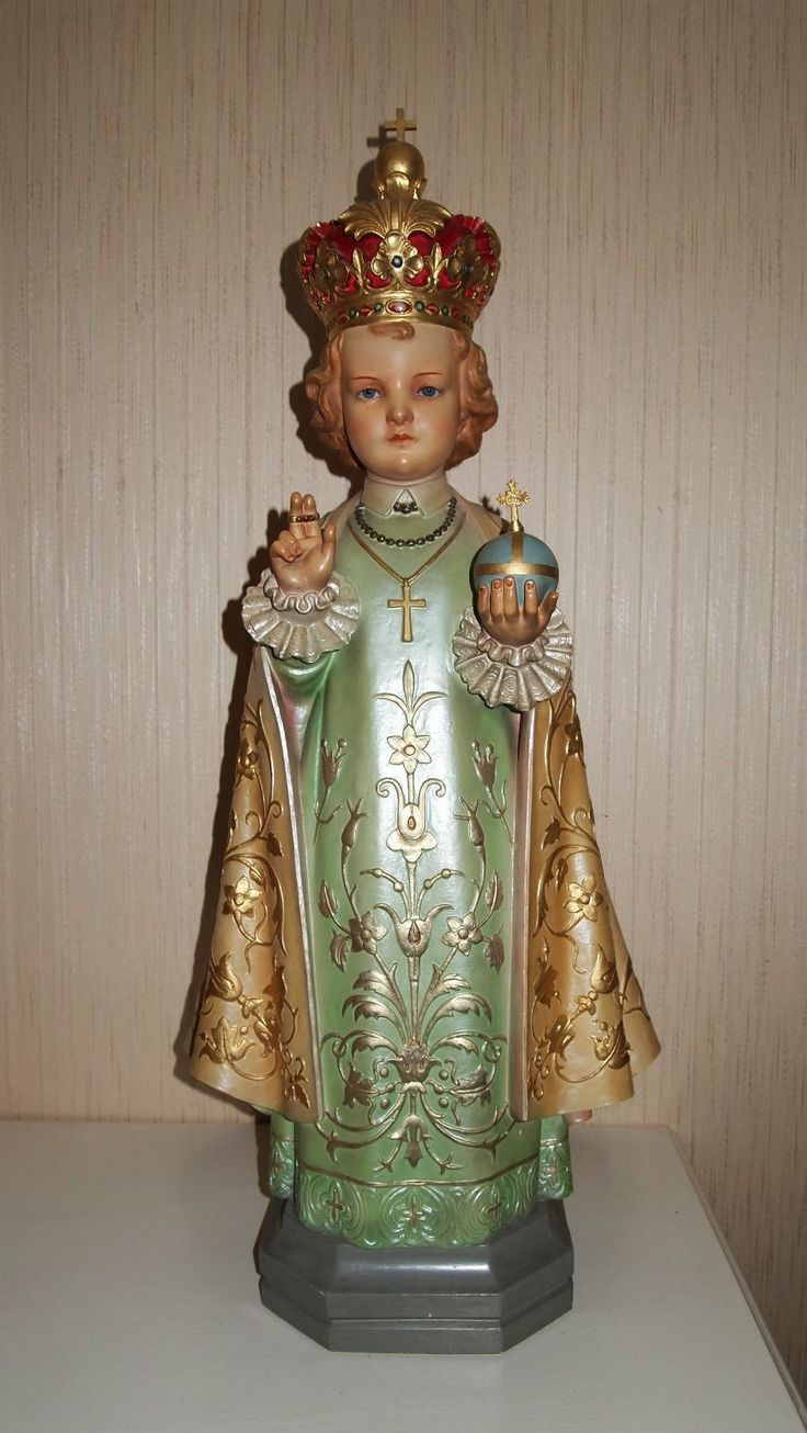 Daprato Infant of Prague ~~~My grandmother had a statue like this that she made seasonal outfits for. Red velvet for Christmas, white brocade for Easter, green satin for St. Patrick's Day, etc. I do not know what happened to it. Was a hoot.