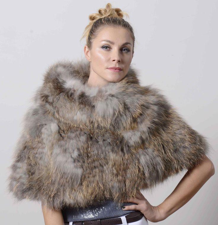 Pellicceria Borello Torino #fur #fox #fashion #trends #jacket #pelliccia #volpe #poncio