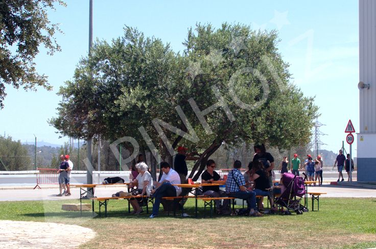 Nuestras mesas y bancos plegables en las instalaciones de Seat