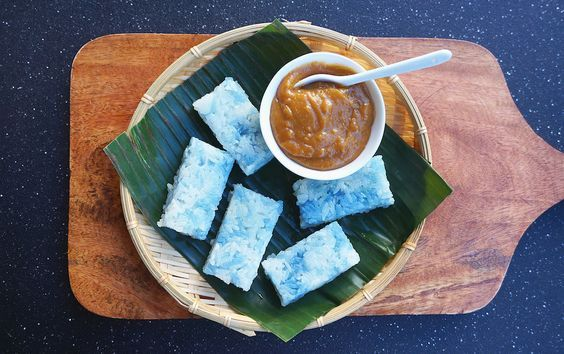 Steamed Glutinous Rice With Coconut Jam or Pulut Tekan (Pulut Tai Tai) is another popular teatime snack in Malaysia and Singapore. This de...
