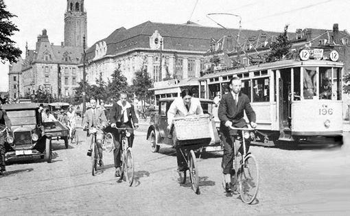 De Coolsingel in 1929. De foto is van vandeneijk.com