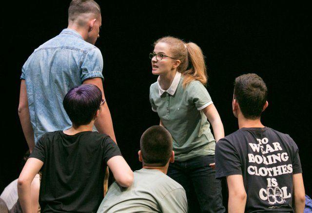 Φεστιβάλ Εφηβικού Θεάτρου στη Στέγη: Το Φεστιβάλ Εφηβικού Θεάτρου ξαναχτυπά με νέα έργα από Έλληνες και ξένους συγγραφείς. Φέτος, οι έφηβοι…