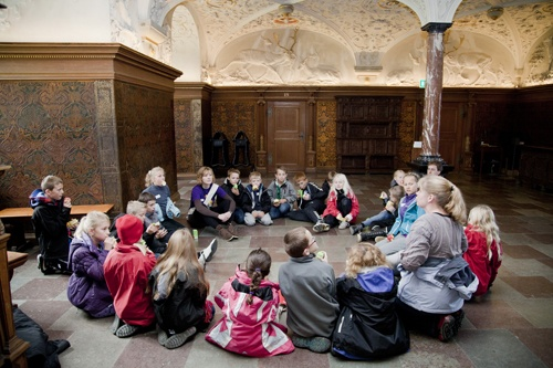 Nine school classes made it to the finale at The Museum of National History at Frederiksborg Castle and were welcomed in king Christian 4th's dining room.