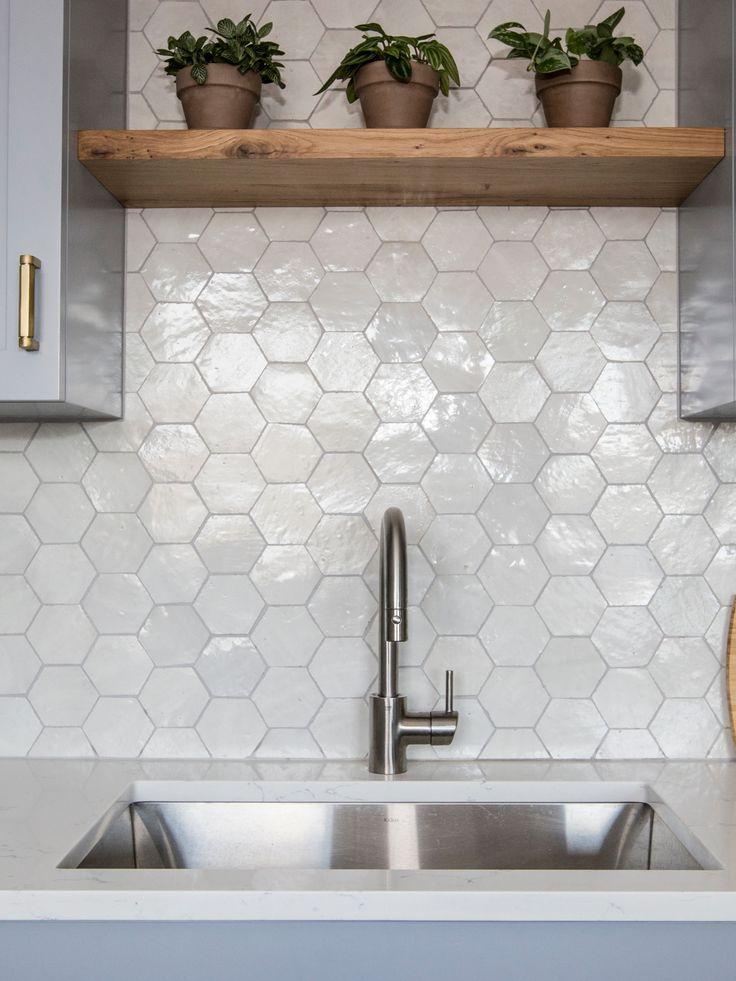 Download Wallpaper White Kitchen Tiles Hexagon