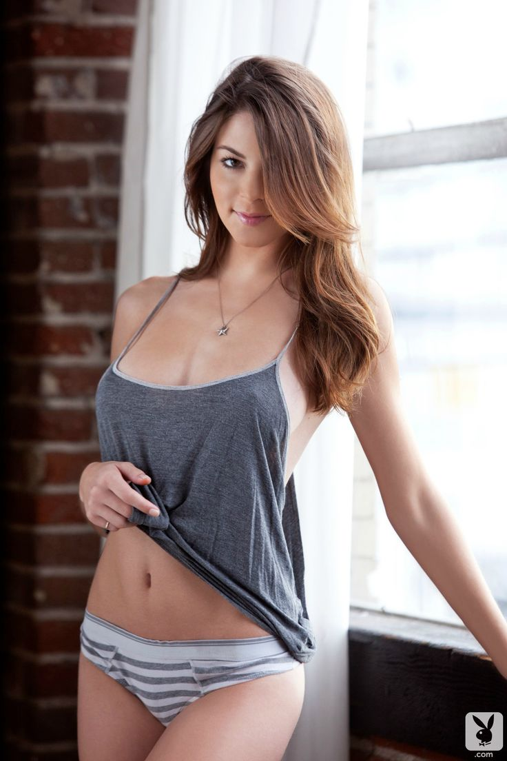 sexy brunette naked
