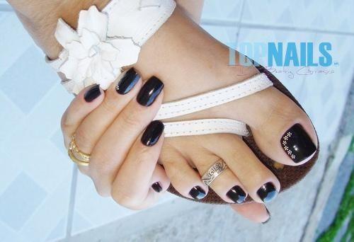 Uñas Acrílicas decoradas en pies  www.topnails.cl Fono: 94243426