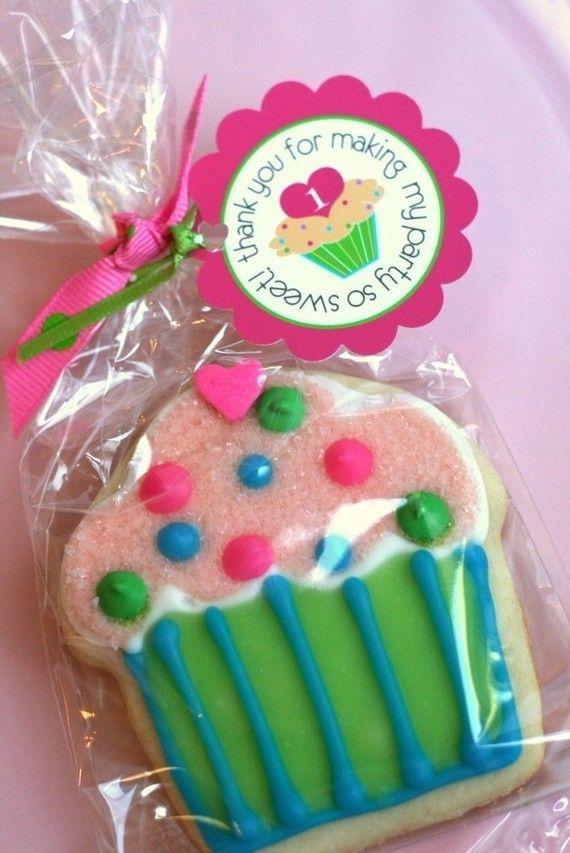 Cupcake party: Birthday Parties, Cakes Recipes, Parties Favors, Cupcakes Cookies, Parties Ideas, Cupcakes Parties, Favors Tags, Cookies Favors, Birthday Ideas