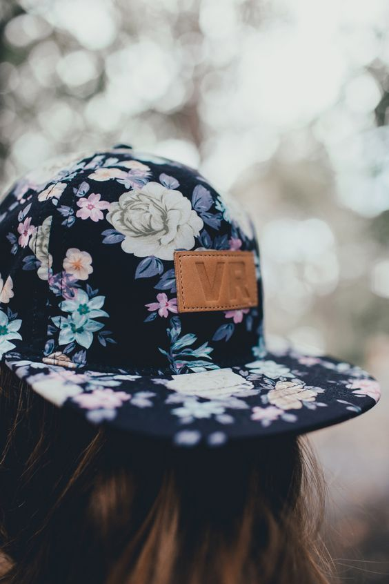 30 Fashionable Hats For Women To Protect You From The Sun In Style