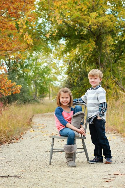 Sibling Photography // Fall Photos // aelivingblog.blogspot.com