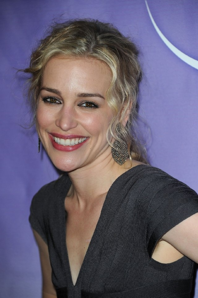 109 best actress piper perabo images on pinterest piper perabo piper perabo sciox Gallery
