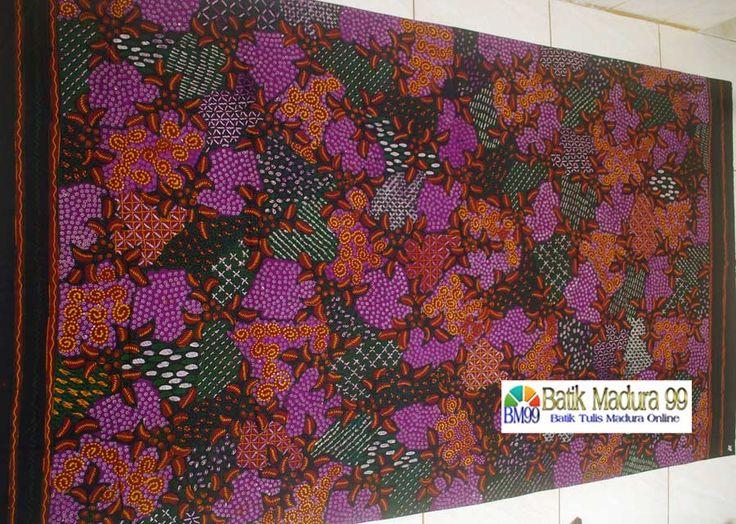 Batik madura motif sekar jagad warna dasar ungu cantik. Kain batik tulis madura yang menggambarkan kecantikan dan keanggunan dalam warna alami. Corak batik tulis yang meberi kesan kesejukan dan kedamaian. source: http://batikmadura99.com