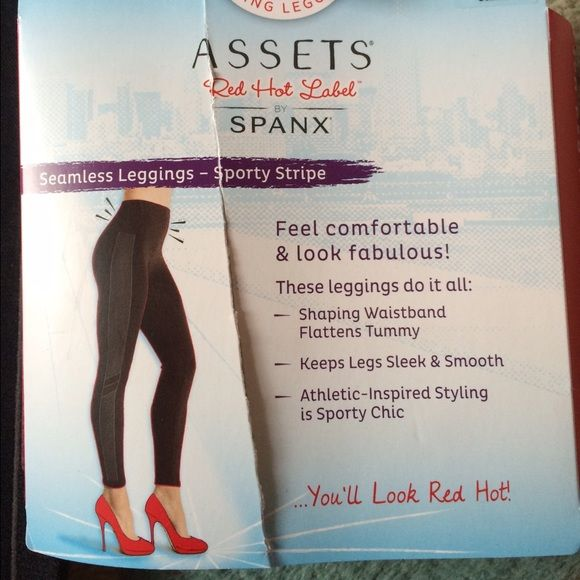 Assets by Spanx seamless sporty leggings BNWT Assets by Spanx seamless sporty leggings BNWT size medium! Super comfortable and holds everything in! Shaping waistband that flattens your stomach keeps legs smooth great for the gym or going out! SPANX Pants Leggings
