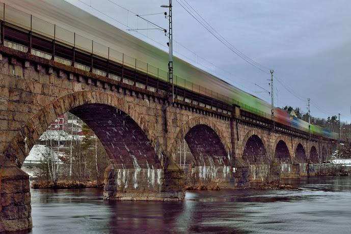 Colours on rail