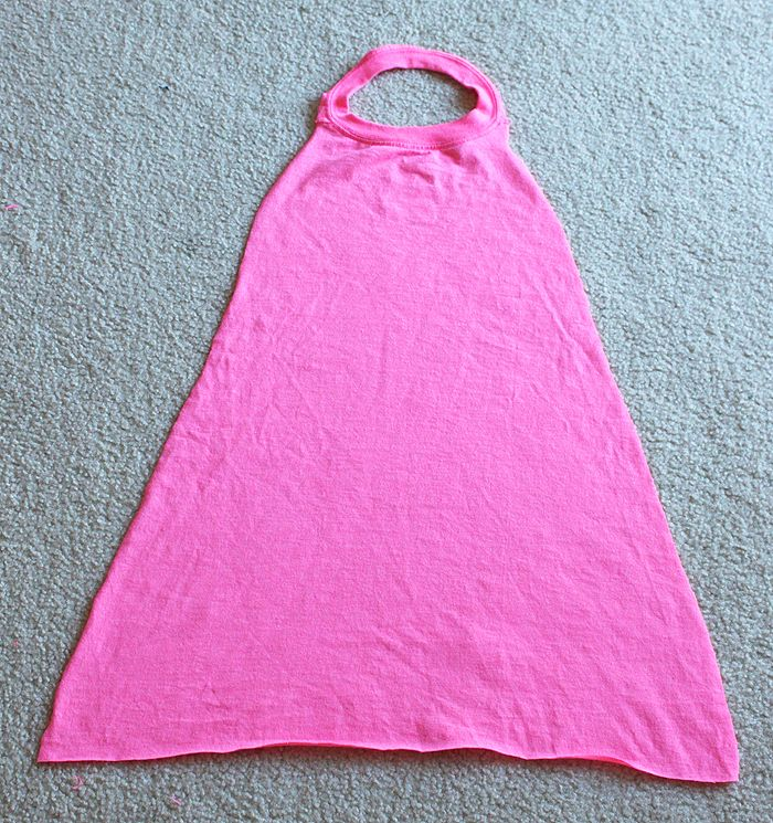 T-Shirt No-Sew Superhero Cape
