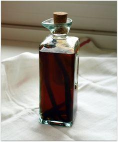 Ингредиенты: - 3 л водки (или спирт разведенный) – 8 шт гвоздики – 8 чайных ложек сахара – 1/2 чайной ложки мускатного ореха (тёртого) – 1/2 чайной ложки молотой корицы – 1/4 чайной ложки ванили – 1 столовая ложка растворимого кофе – 1 стакан лимонного сокаЗасыпаем ингредиенты в ёмкость с водкой, размешиваем, чтобы сахар полностью […]