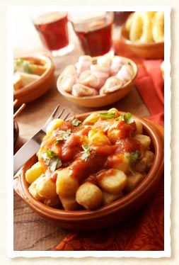 Tapena wines from Spain - Spanish food recipes - Patatas Bravas tapas recipe - Crisped spicy potatoes