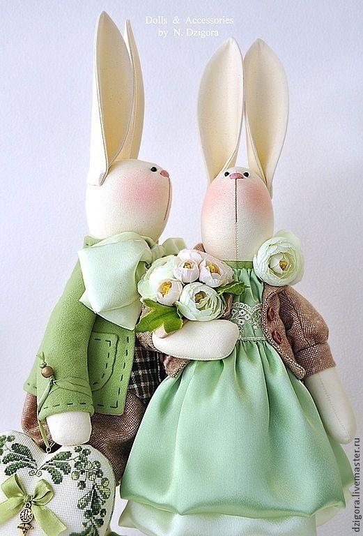 Купить Семейство кроликов в бежево - зелёном - зайцы, семейство заек, семейство зайцев, кролики, кролик