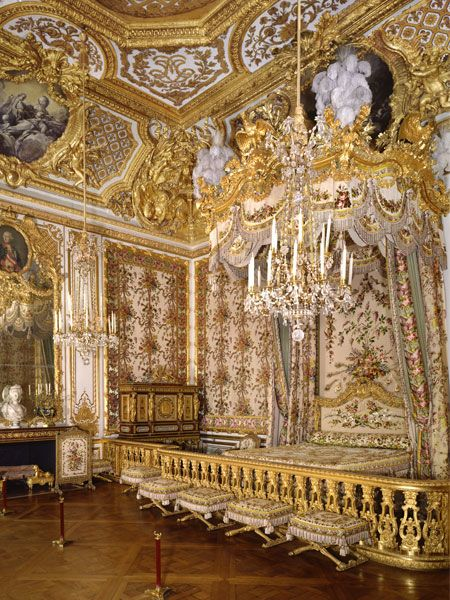 Queen Marie-Antoinette's Bedchamber at Versailles. You can see, against the back wall, the monumental jewelry case she ordered. On the mantel, a bust of the Queen. Above the mirror, a portrait of Joseph II, her brother. Portraits of Louis XVI and Empress Maria Theresa (not visible here) also decorate the room.