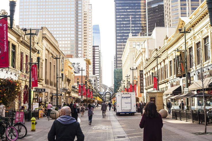Stephen Avenue, just outside our doors, is Calgary's major pedestrian mall, home to some of the city's finiest restaurants, cafes, pubs, and bars!