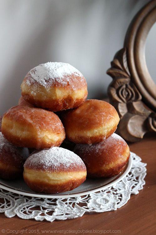 Every Cake You Bake: Pączki, pączki...
