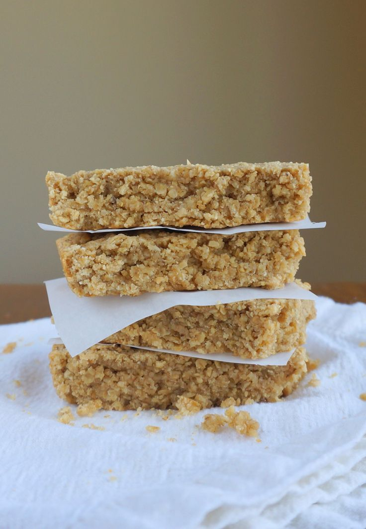 Copycat Starbucks Oat Bars  //  I made these and they are awesome!!