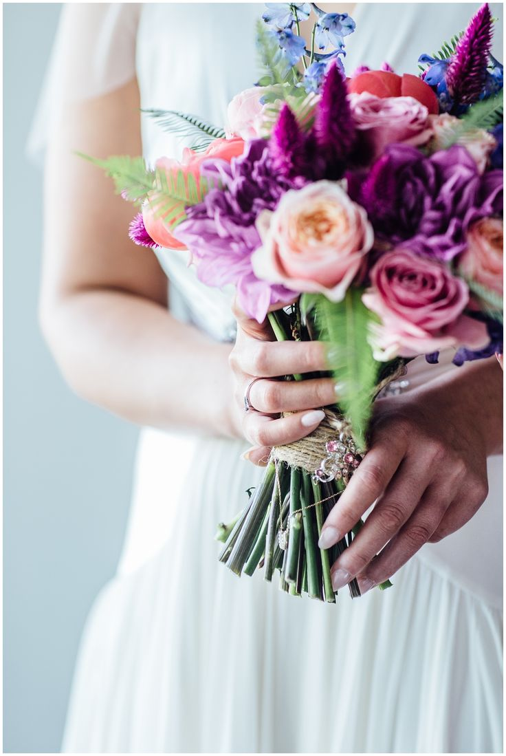Bridal details, colourful flowers, summer city wedding, Edinburgh
