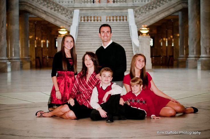 Pink Daffodil Photography: Utah Family Portrait Photographer - Christmas Family Portraits - Classy