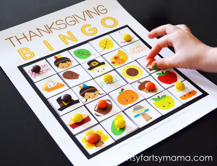 Free Printable Thanksgiving Bingo at artsyfartsymama.com
