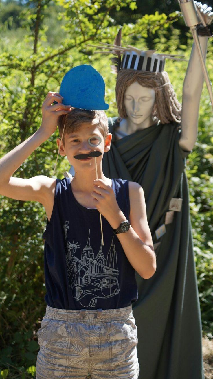 Tábori szabadságszobor... a művészek alkotása