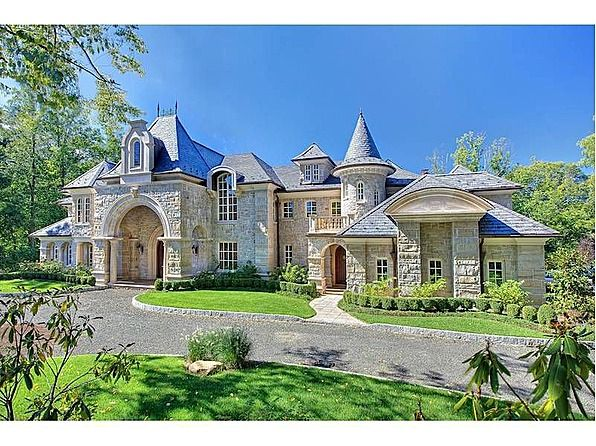 11 best images about castle style homes on pinterest for Castle mansions for sale