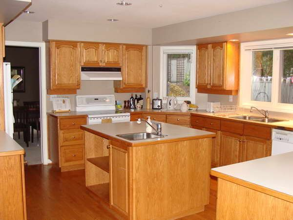 kitchen cabinets and flooring combinations | ... Kitchen Cabinets ...