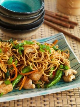 SHANGHAI CHICKEN STIR FRY NOODLES