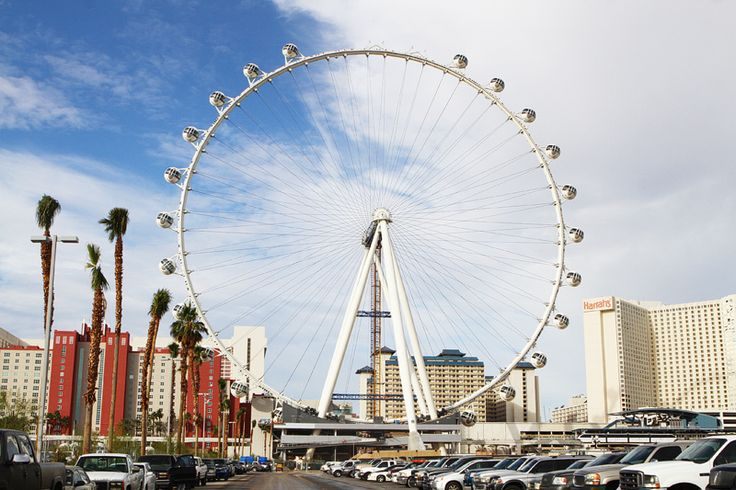 High Roller Ferris wheel, with five more passenger pods to go!