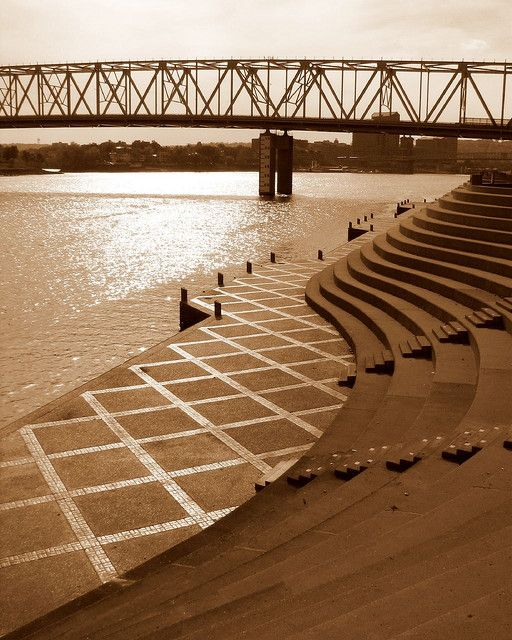 Serpentine Wall, Ohio River bank, Cincinnati, Ohio. Im ready for Party in the Park...