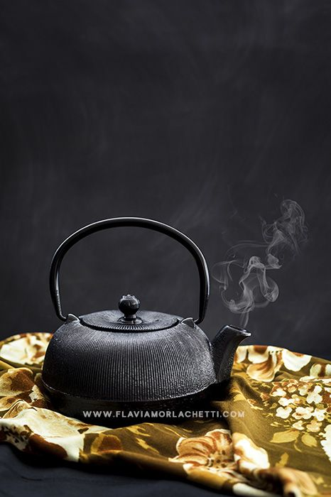 Cast iron teapot, food photography ~ www.flaviamorlachetti.com