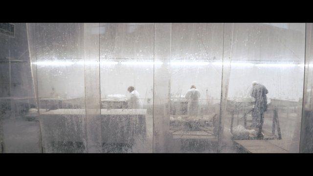 """Booktrailer del libro """"Io Non Voglio Fallire - Un'imprenditrice in lotta per salvare la propria azienda"""" Scritto da: Serenella Antoniazzi con Elisa Cozzarini Editore: nuovadimensione http://www.nuova-dimensione.it/ 2015  Video: Valeria Cozzarini & Atej Tutta Voce Narrante: Chiara Mutton Note tecniche: 4K Ultra High Definition, 1:2.40, Col, stereo   Abstract del libro:  Per Serenella il lavoro è tutto. Già da bambina gioca tra le mura del capannone costruito da suo padre, mattone su…"""