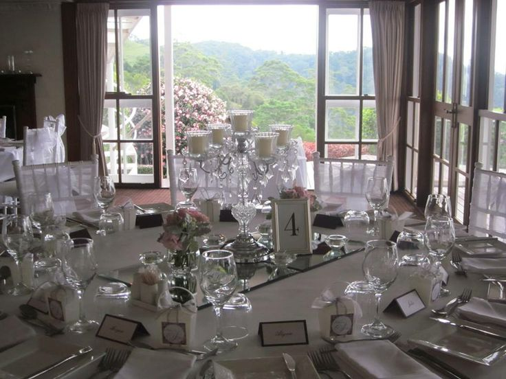 The table setting before the candles were lit....so fresh and soft