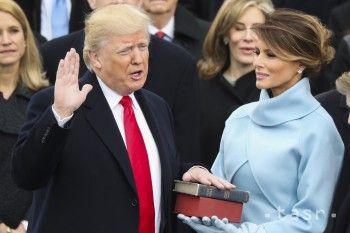 Trump položil ruku na tú istú Bibliu, na ktorú prisahal jeden z najvýznamnejších prezidentov Spojených štátov Abraham Lincoln, ako aj jeho predchodca Barack Obama.