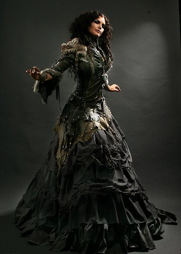 post apocalyptic, awesome dress.