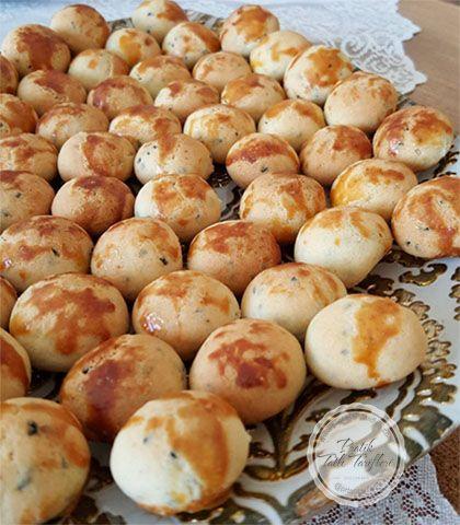 Atıştırmalık için minik kurabiyelerden yapabilirsiniz..