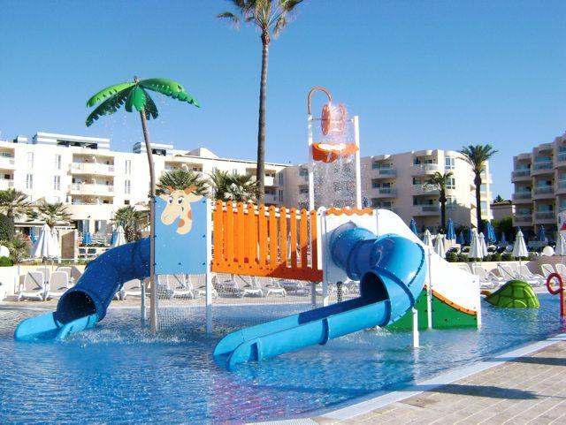 Sunwing Cala Bona Beach in Mallorca (Spain) http://www.ving.se/spanien/cala-bona/sunwing-cala-bona