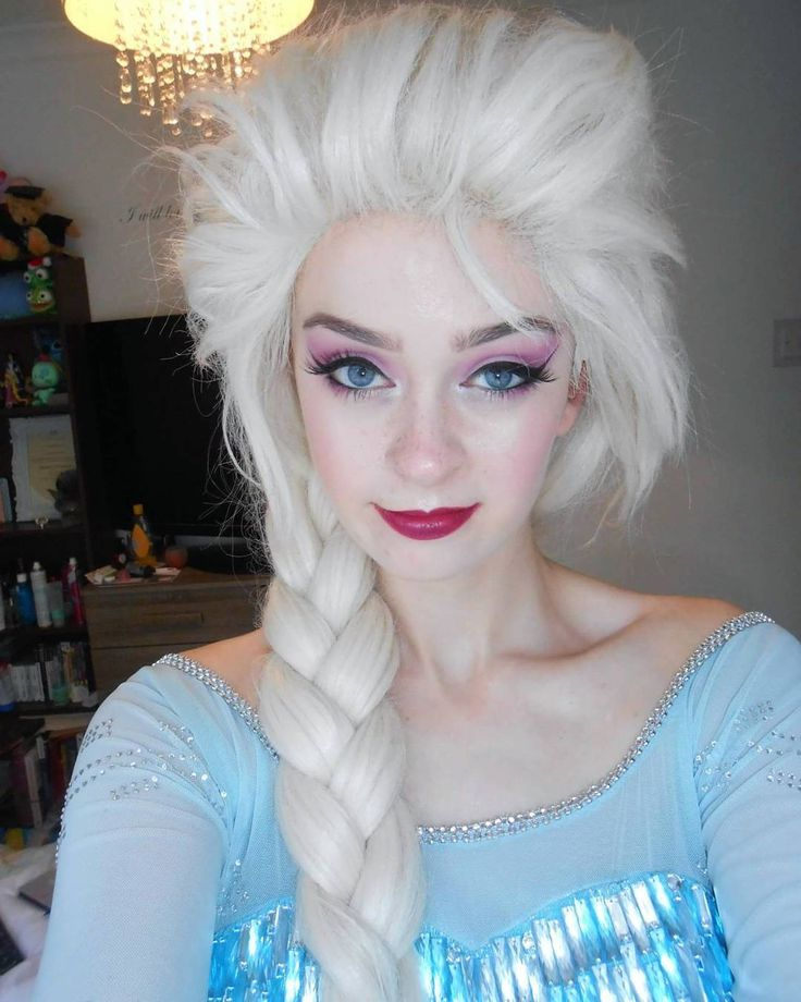I feel like this is the best Elsa picture I've ever taken haha ❄☃️❄ #disney #disneyworld #disneycosplay #elsa #elsacosplay #frozen #disneyprincess #makeupgeek #makeupjunkie #nyxcosmetics #katvondcosmetics http://misstagram.com/ipost/1552287122157576019/?code=BWK1OnJnZ9T