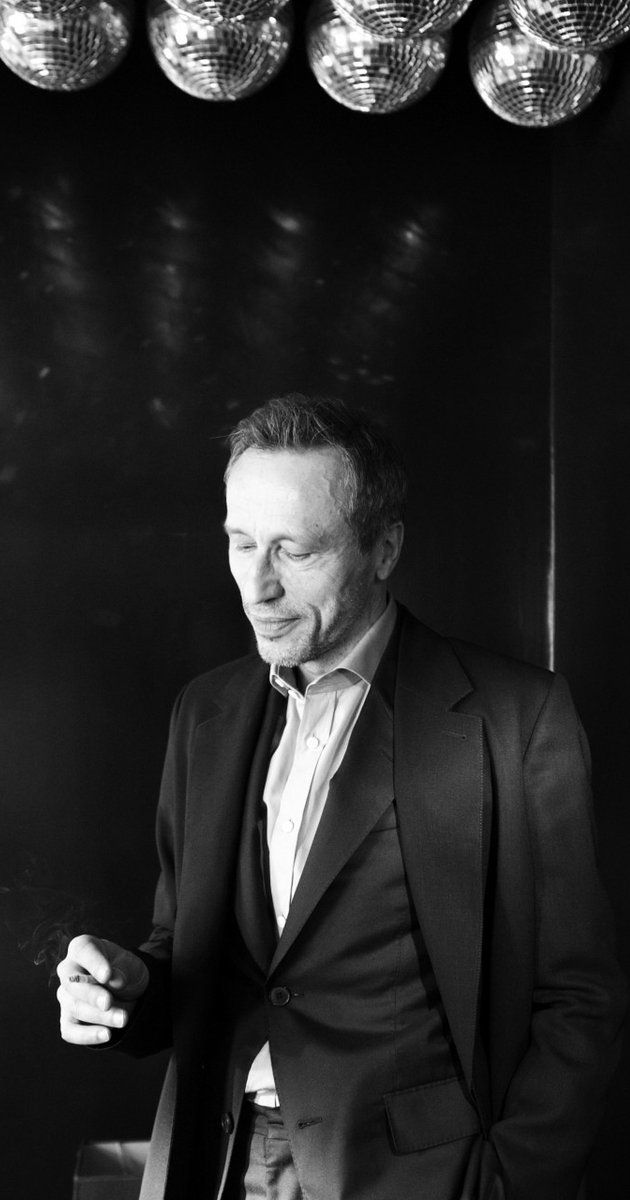 Michael Wincott, Actor: The Crow. Over more than thirty years, Michael Wincott has gained the reputation of a respected and uncompromising actor. Born in Scarborough, Ontario, he eventually moved to New York City where he graduated from Juilliard in 1986 and began a relationship with Joseph Papp's Public Theatre beginning with his creation of the role of Kent in Eric Bogosian's Talk Radio. (He reprised the role for the 1988 ...