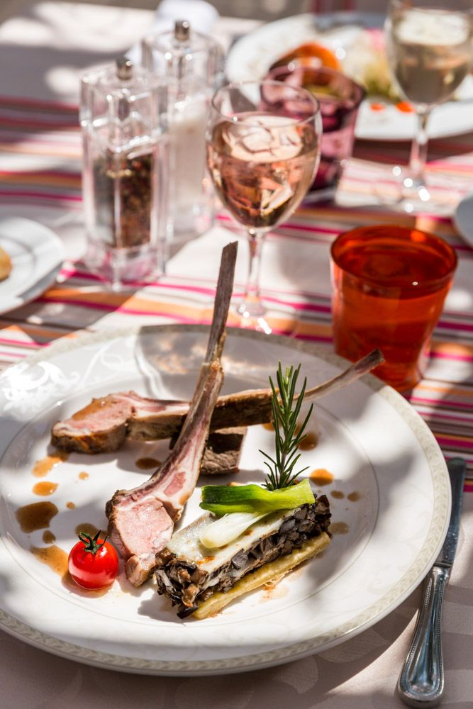 "La Bastide de Tourtour offers you a gastronomic and Provencal cuisine with a large selection of wines and ""grands crus"" to accompany your favourite dishes. Our chef is passionately concerned about preserving a simple style of cooking, by using all the fresh local produce and choosing them with great care."