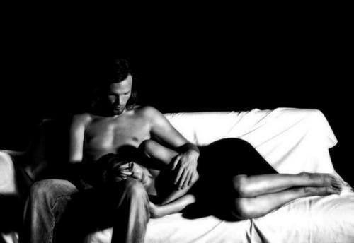 Innamorati di una persona che ama guardarti dormire.
