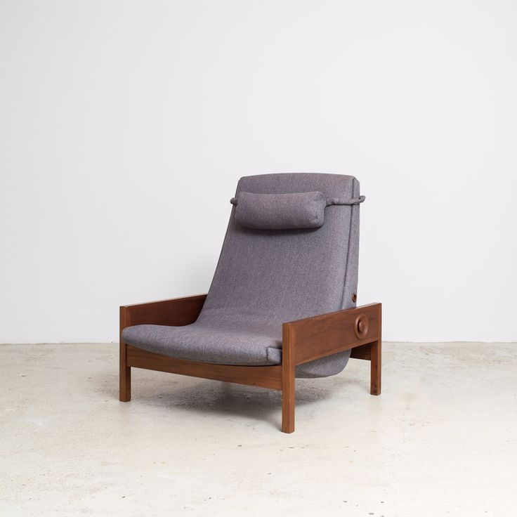 Base Structure Available In Natural Or Stained Freijó Wood  Upholstery  Offered In A Variety