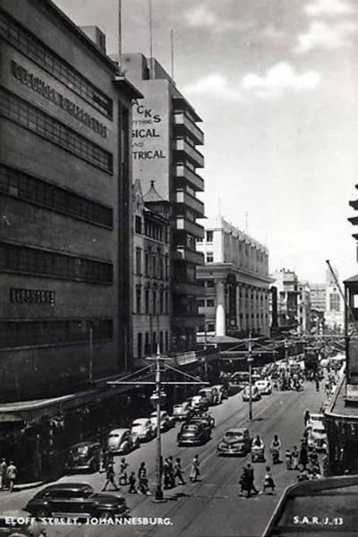 Johannesburg, showing the balconies of Polliack's Corner (left)