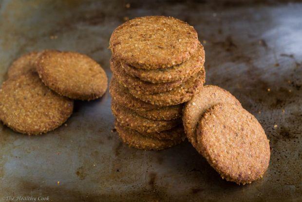 Ήθελα πολύ καιρό να φτιάξω σπιτικά μπισκότα digestive, όσο πιο υγιεινά γίνονται. Και όχι μόνο μου βγήκαν %